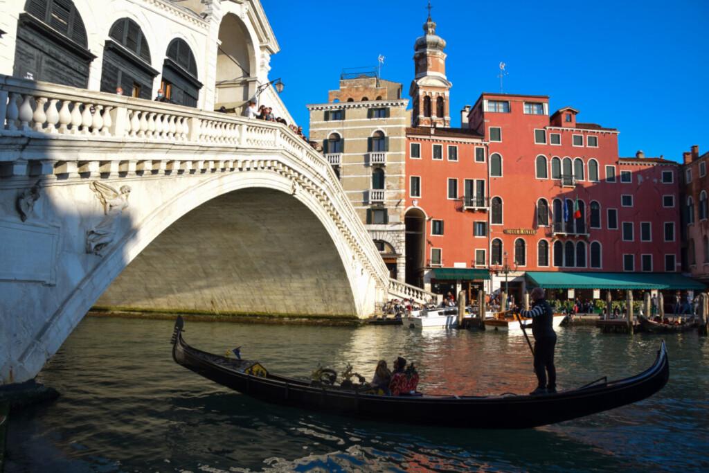 Gondoliere Rialto-Brücke Ausflug Venedig Italien