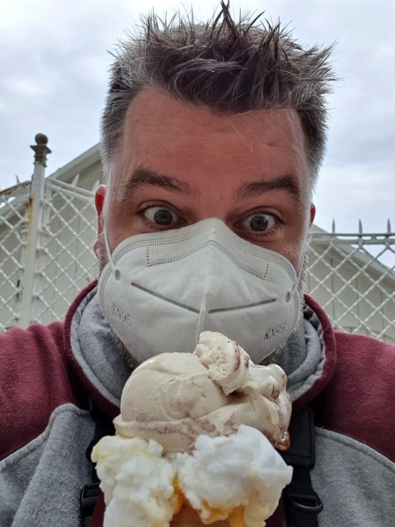 Gelato Eis mit Maske Grado Friaul-Julisch Venetien Italien
