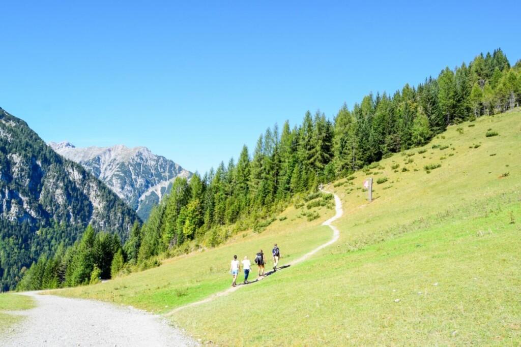 Rundwanderweg Zwölferkopf Familienwanderung Karwendel Achensee Pertisau Tirol Österreich
