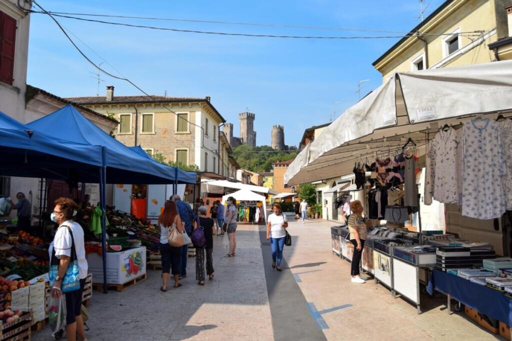 Markt Valeggio sul Mincio Gardasee Venetien Italien