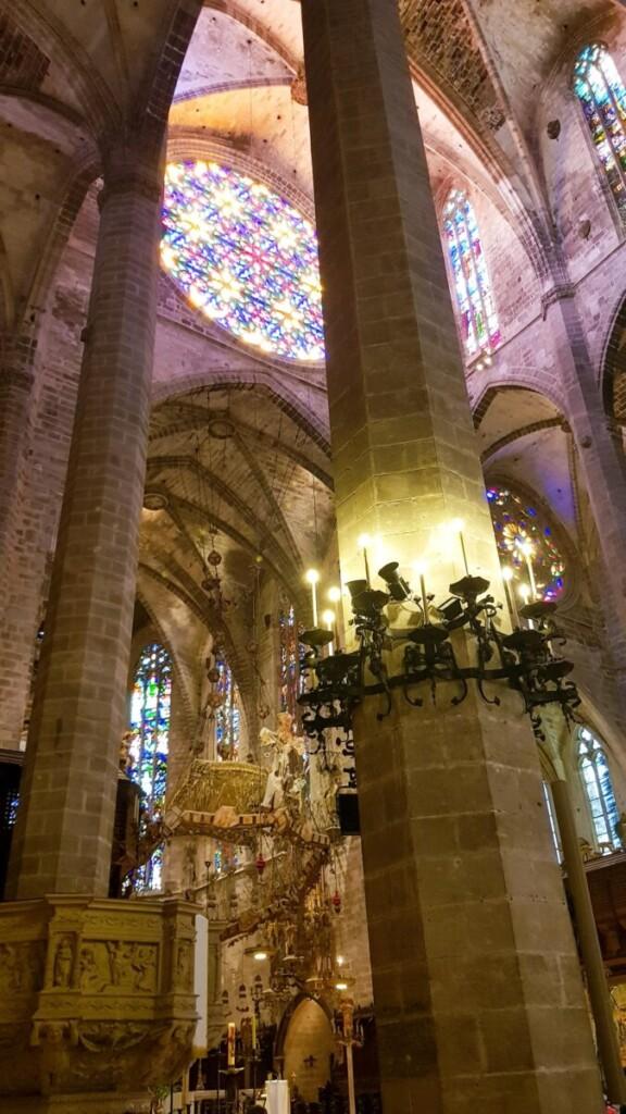 05 Saeulen Kathedrale von Palma de Mallorca La Seu Balearen Spanien