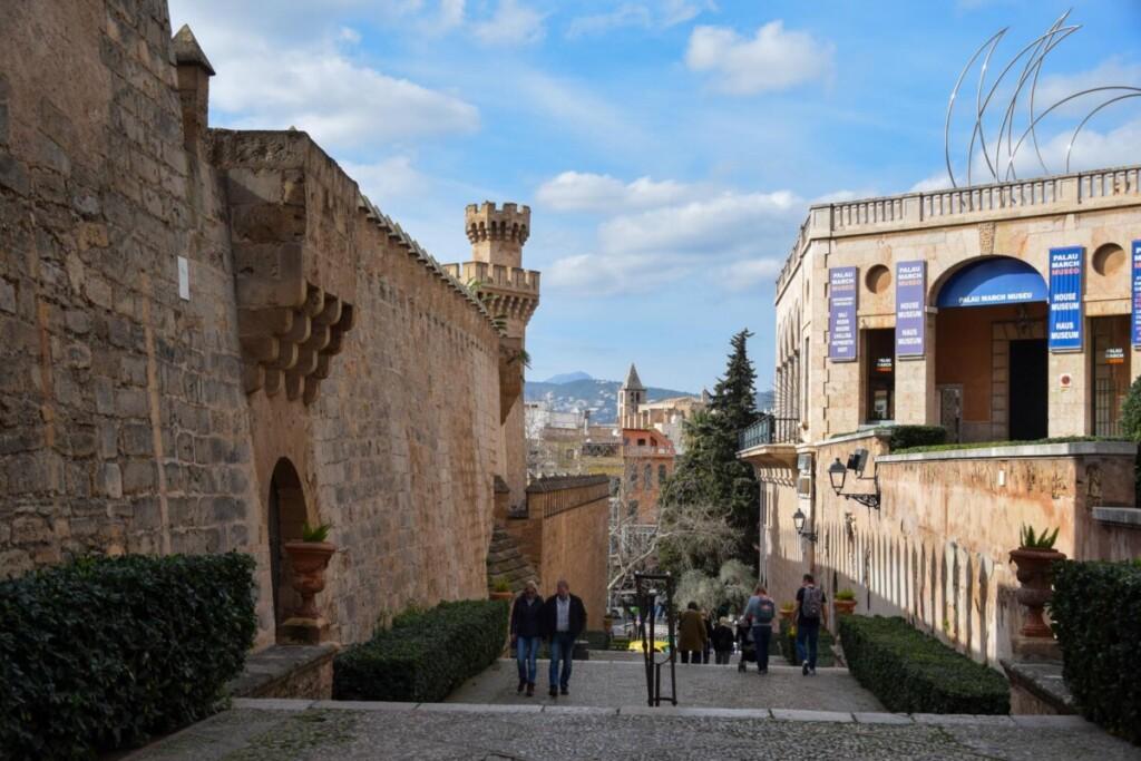 18 Festung Museum Fundacion Bartolome March Palma de Mallorca Sehenswuerdigkeiten Balearen Spanien