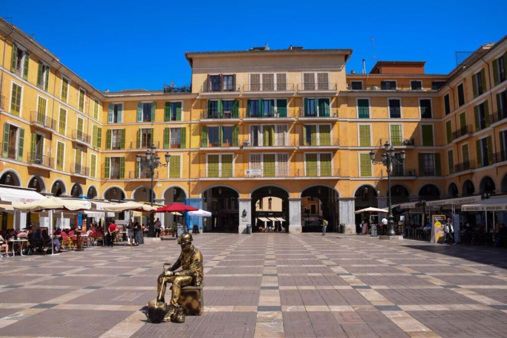 21 Placa Mayor Altstadt Palma de Mallorca Sehenswuerdigkeiten Balearen Spanien