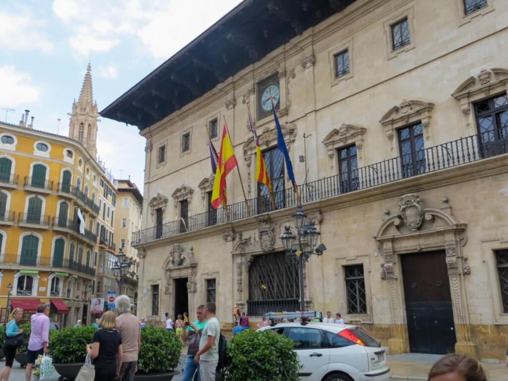 30 Rathaus Ajuntament de Palma de Mallorca Sehenswuerdigkeiten Balearen Spanien