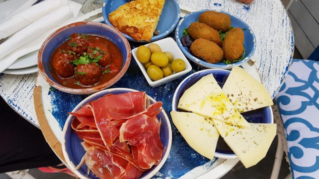 32 Tapas Restaurante SOlivera Placa del Cort Palma de Mallorca Balearen Spanien